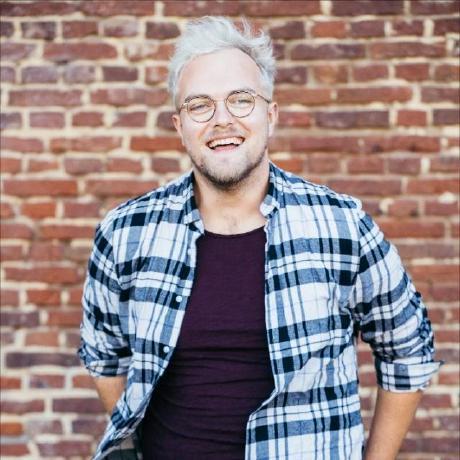 GitHub profile image of leroy